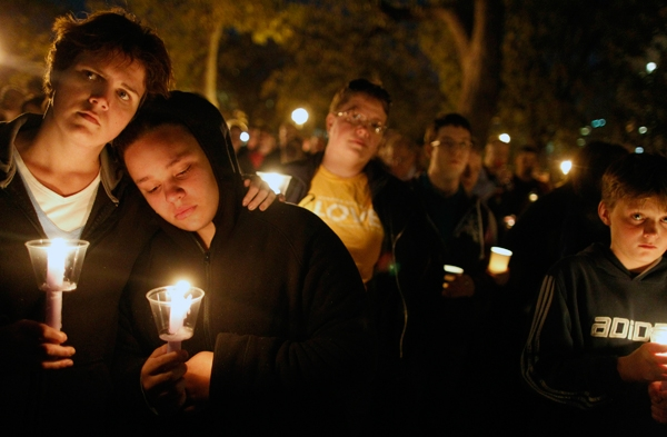 A candlelight vigil in Minneapolis for the victims of gay bullying.  © Richard Tsong-Taatarii/Minneapolis Star Tribune/ZUMApress.com